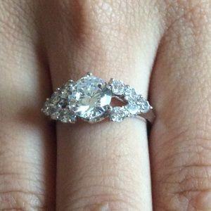 Jewelry - 14k Gold Diamond Halo Wedding Ring
